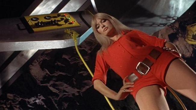 Marisa Mell em Perigo Diabolik (Diabolik, Mario Bava, 1968)