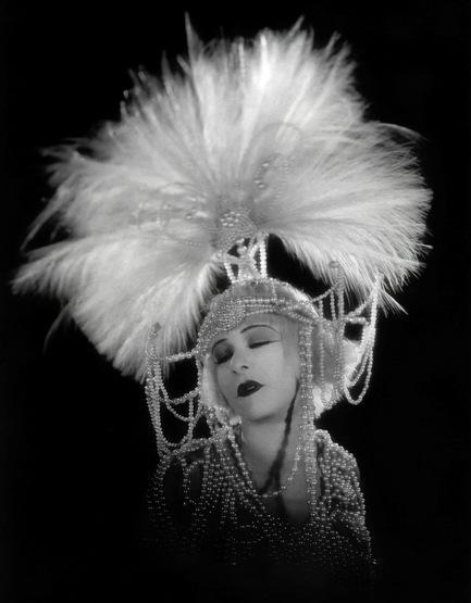 Alla Nazimova (Salome, Charles Bryant, 1923)