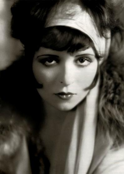 Clara Bow (It, Clarence G. Badger/Josef von Sternberg, 1927)