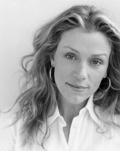 Frances McDormand (Quase Famosos/Almost Famous, Cameron Crowe, 2000)
