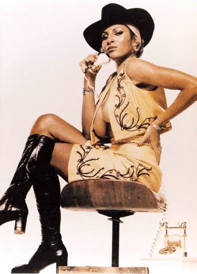 Pam Grier (Foxy Brown, Jack Hill, 1974)