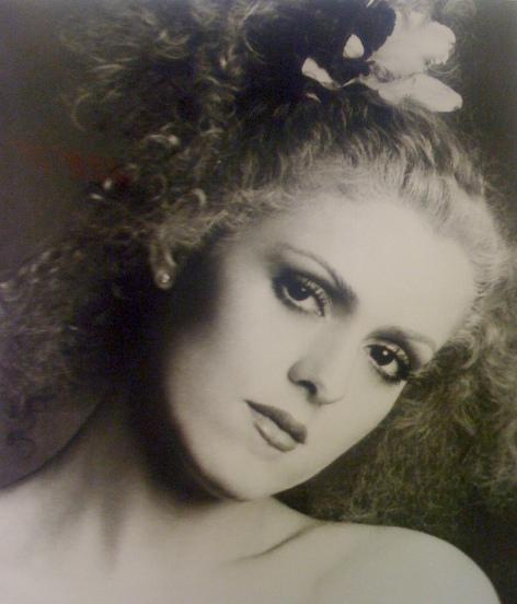 Bernadette Peters (Simplesmente Alice/Alice, 1990)