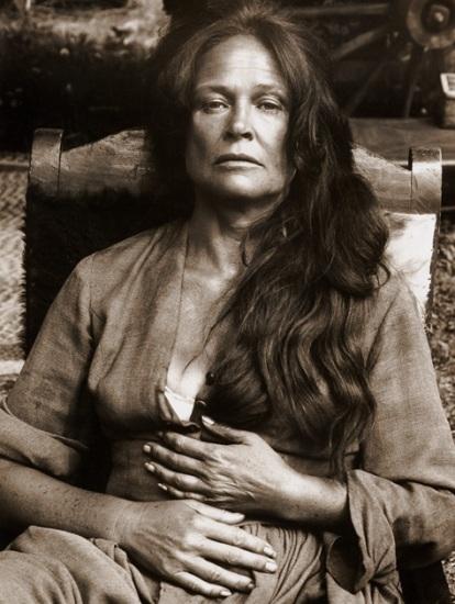 Colleen Dewhurst (Noivo Neurótico, Noiva Nervosa/Annie Hall, 1977)