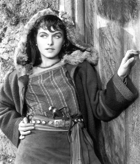 Paulette Goddard (Tempos Modernos/Modern Times, Charles Chaplin, 1936)