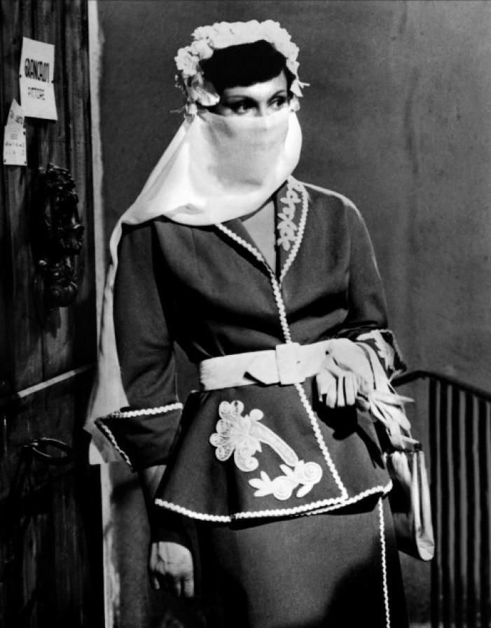 Marisa Merlini - Totò cerca casa (1949)