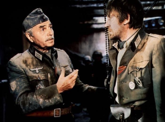 CROSS OF IRON - James Mason, David Warner