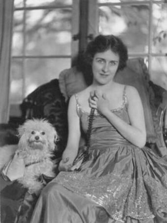 Ottola Nesmith (Her Cardboard Lover)