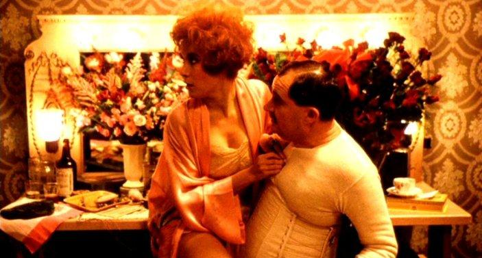 Bullets Over Broadway (1994) Jennifer Tilly & Jim Broadbent