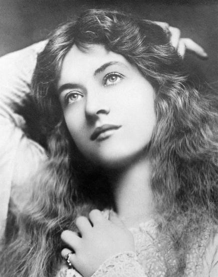 Maude Fealy (Gaslight / A Double Life)