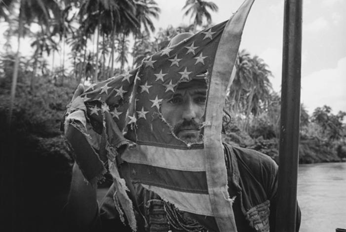 Dennis Hopper  no set de Apocalypse Now - Pagsanjan, Philippines, 1976