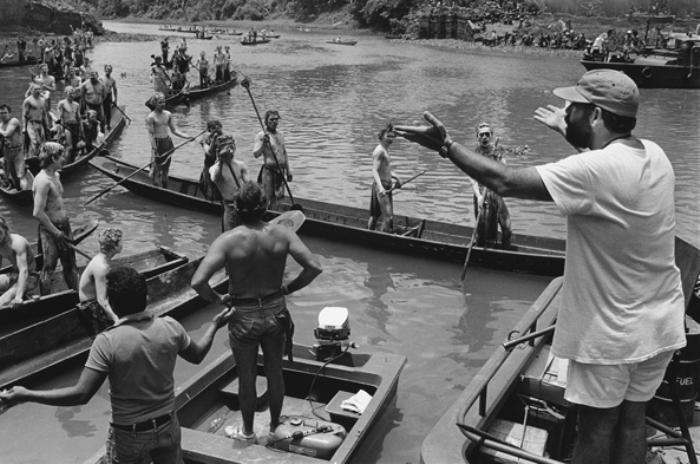Francis Ford Coppola dirigindo Apocalypse Now - Pagsanjan, Filipinas, 1976