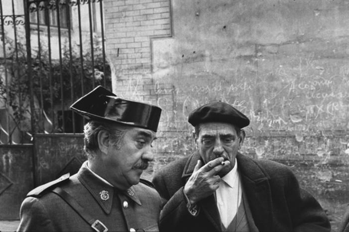 Fernando Rey e Luis Buñuel no set de Tristana - Toledo, Spain, 1969