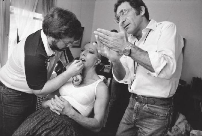 Sydney Pollack & Dustin Hoffman no camarim de Tootsie - New York, USA, 1982