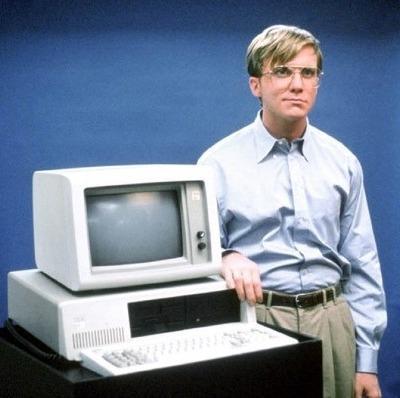 Anthony Michael Hall em Piratas da Informática/Piratas do Vale do Silício (Pirates of Silicon Valley, 1999)