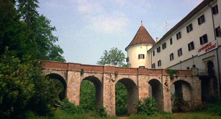 Transylvania 6-5000 (1985) 08
