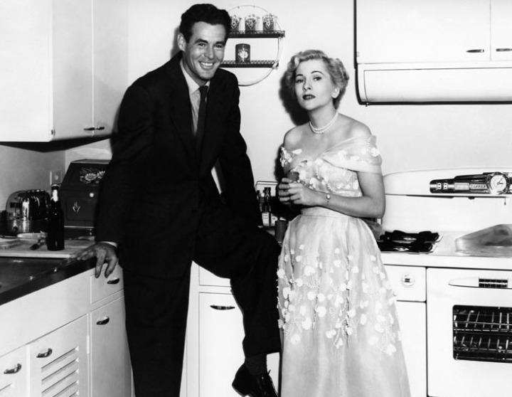 Born to Be Bad (1950) Robert Ryan & Joan Fontaine