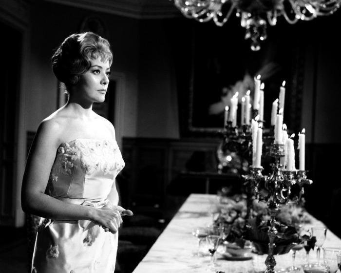 El ángel exterminador (1962) - Silvia Pinal