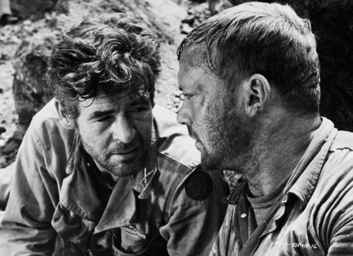 Robert Ryan and Aldo Ray in Men in War