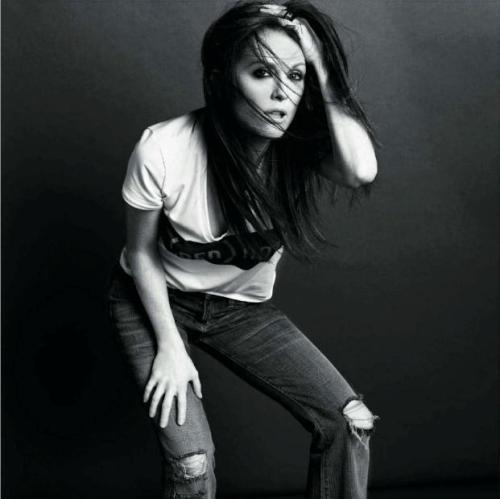 Vogue-Paris-Julianne-Moore
