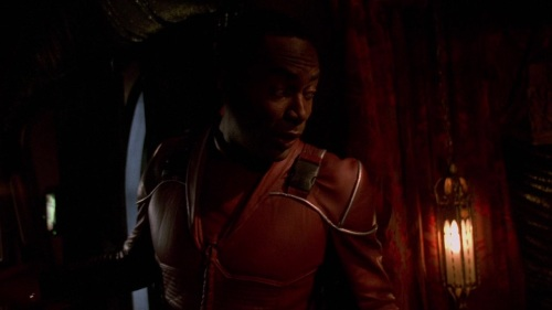 Firefly.2002.Ep14 Objects in Space 331