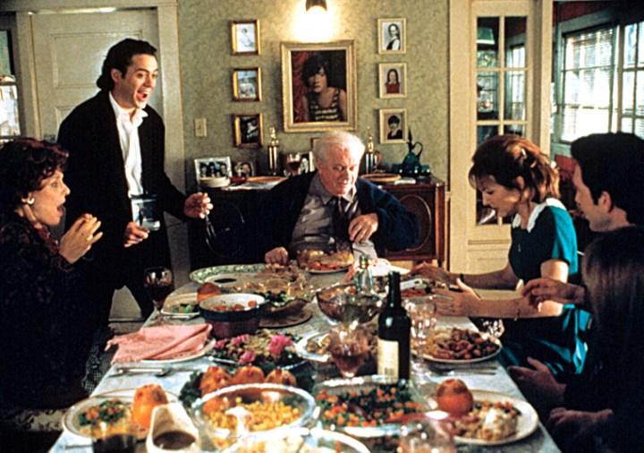 12- Feriados em Família (Home for the Holidays, Jodie Foster, 1995)