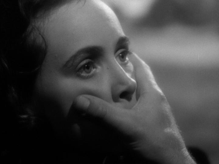 9- Sombra de uma Dúvida (Shadow of a Doubt, 1943)